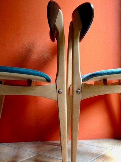 Chaises signées