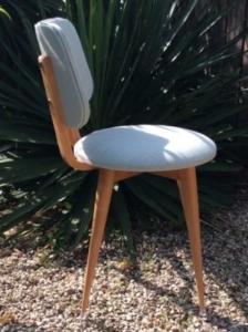 Chaise vintage années 50 - assise ronde et dossier boutonné